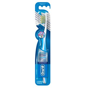 Oral B Pro Expert CrossAction Superior Clean Toothbrush Medium