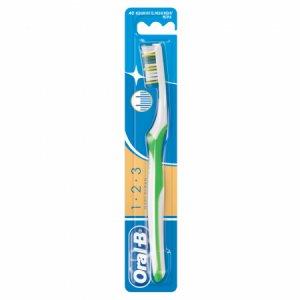 Oral B 123 Maxi Clean Medium Toothbrush